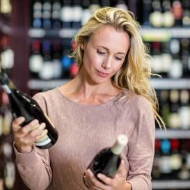 5 kļūdas, <strong>ko pieļaujam vīna veikalā</strong>