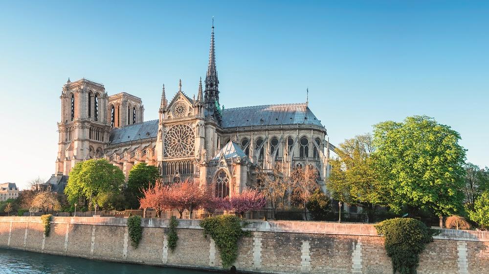 <strong>Parīzes Dievmātes katedrāle</strong> — vieta, kur savijas viduslaiku ticība un mūsdienu fantāzija