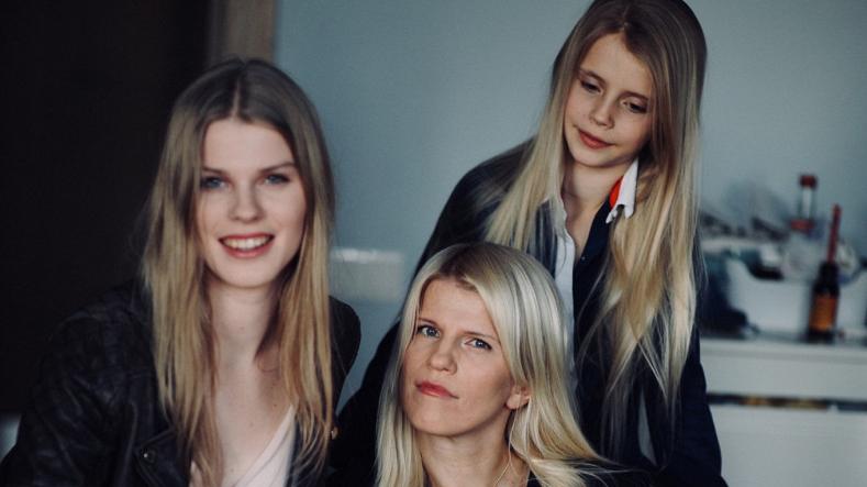 Latvijas slavenību meitas skolojas <strong>prestižās ārzemju skolās</strong>