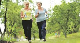4 × 4 treniņš, kas palīdz uzturēt labu veselību un <strong>ātrāk atveseļoties pēc onkoloģiskas saslimšanas</strong>