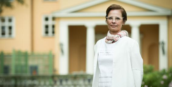 Forums <em>Pret vēzi – kopā un bez bailēm</em>: <strong>Prezidenta kundze aicina pievērst uzmanību onkoloģijas problēmām Latvijā</strong>