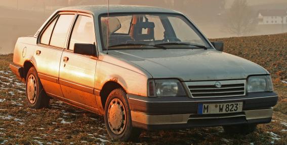 Lietuvā <strong>maksās 1000 eiro kompensāciju par vecā auto nomaiņu</strong> pret ekoloģiski nekaitīgāku