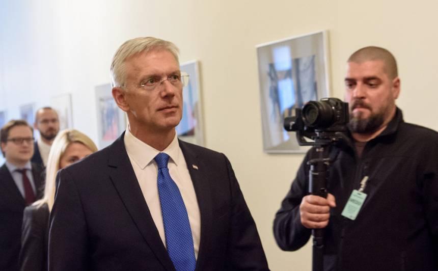 <strong>Kariņš neatbalsta budžeta deficīta palielināšanu</strong> un kritizē Viņķeles darbu