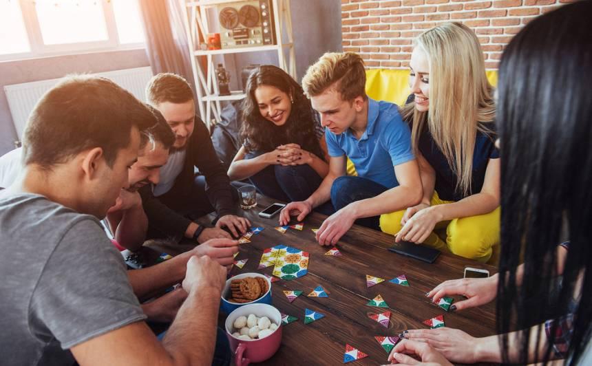 8 lieliskas Latvijā ražotas prāta spēles lieliem un maziem