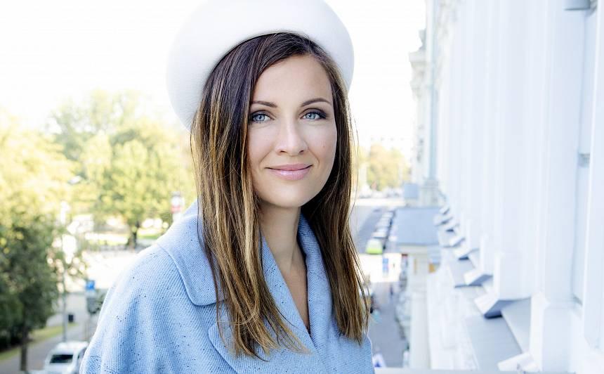 Filozofe un žurnāliste Eva Johansone: <strong>Reflektēšana un spoguļošana laimīgu nedara </strong>