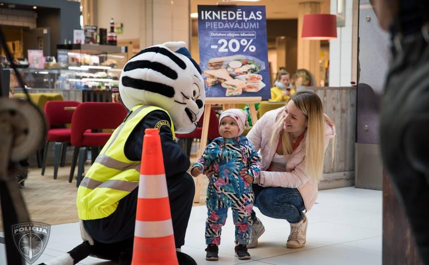 Aptuveni 40% autovadītāji Latvijā ir <strong>pārvadājuši bērnu bez autosēdeklīša vai paliktņa</strong>