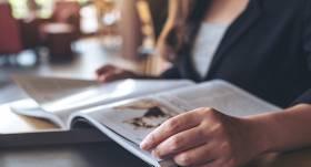 Pētniece: <strong>Mediju vidē veiksmīgāk izdzīvo žurnāli;</strong> dienas laikraksti Latvijā zaudē auditoriju un ietekmi