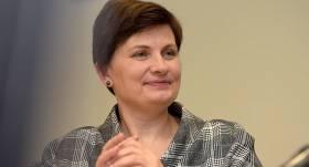 <strong>Viņķele iztur neuzticības balsojumu</strong> un saglabā ministres amatu