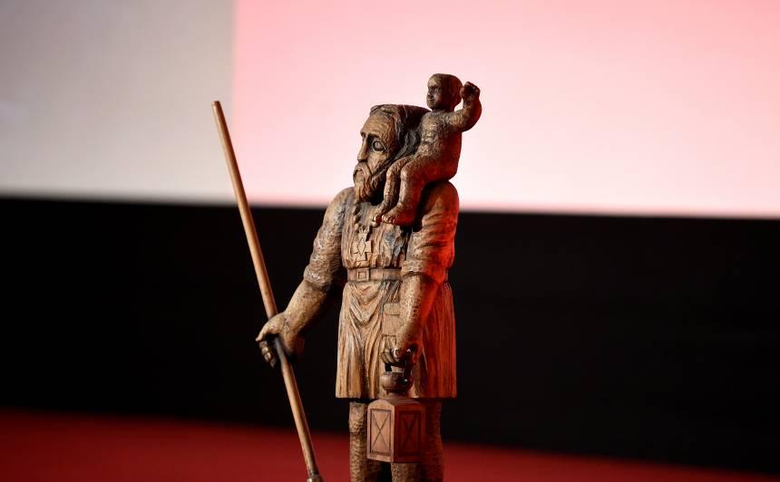 <strong>Pazudusi filmas <em>Oļegs</em> operatoram piešķirtā</strong> <em>Lielā Kristapa</em> statuete