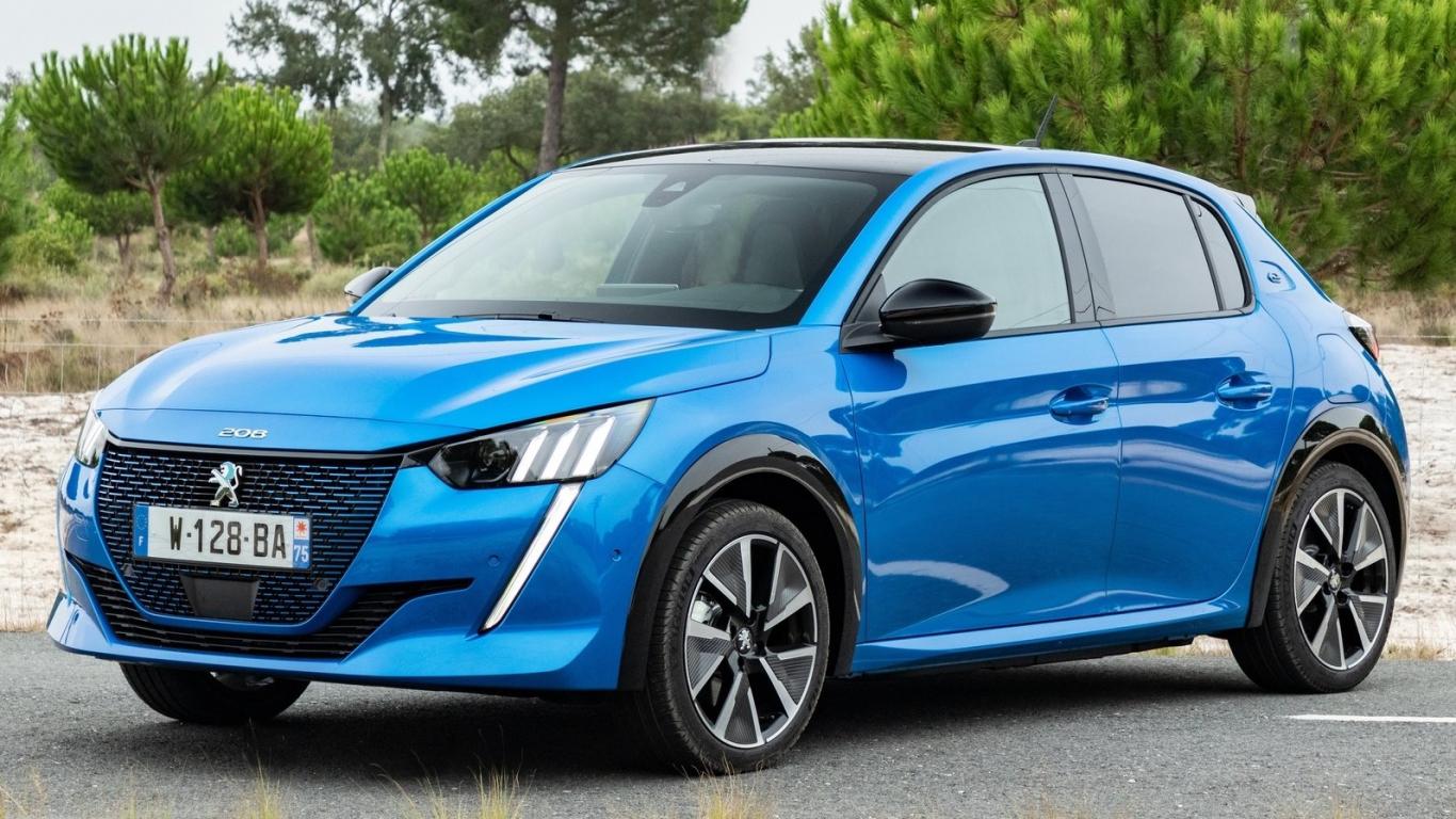 Atklātas <strong><em>Peugeot</em> 208</strong> un elektriskā e-208 cenas
