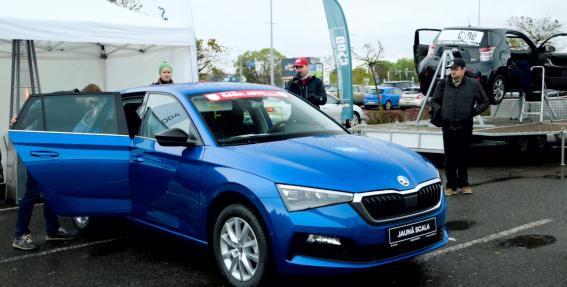 VIDEO: <strong>Jaunu auto pirmizrādes un izmēģinājuma braucieni</strong> — <em>Latvijas Gada auto</em> lielā testu dienā