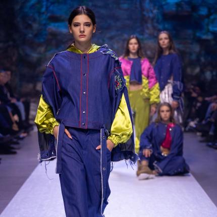 FOTO: Koši aizvadīts <strong>jauno modes dizaineru konkurss <em>MERINGUE</em></strong>