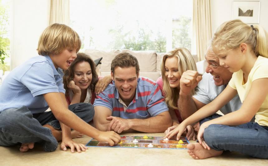 <strong>Galda spēles</strong> visai ģimenei!
