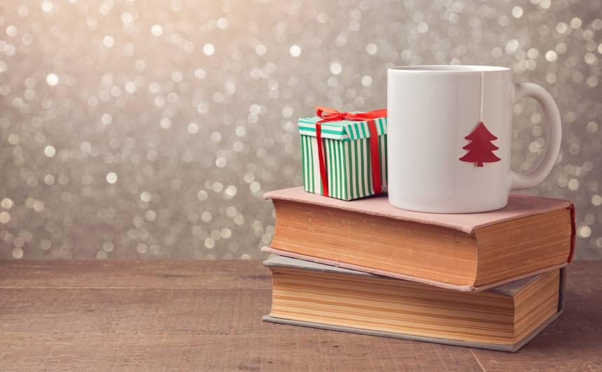 <strong>Grāmata meklē lasītāju</strong> jeb 20 vērtīgas grāmatas, <strong>ko uzdāvināt svētkos</strong>