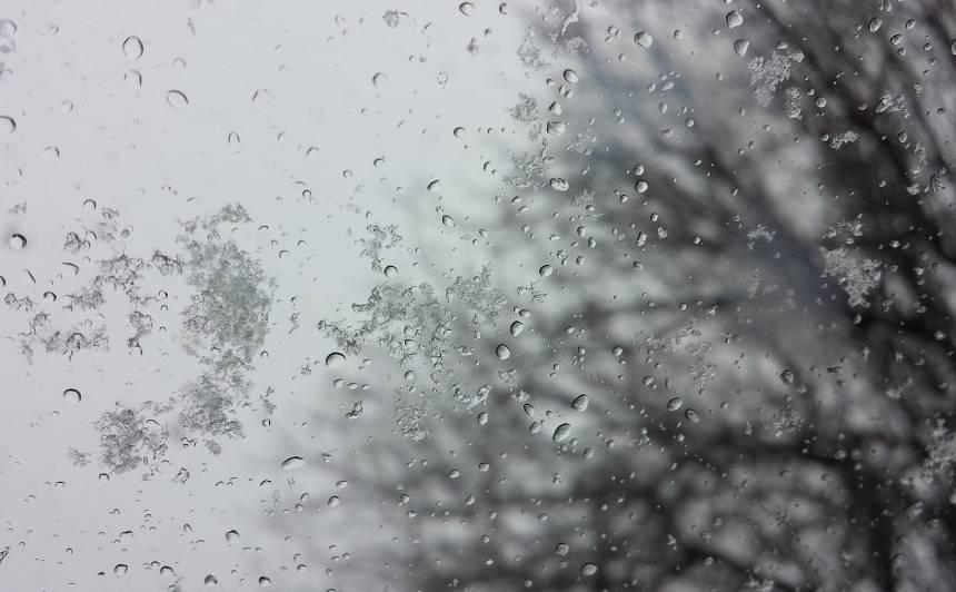 Decembrī, visticamāk, <strong>nebūs liela sala un lietus mīsies ar sniegu</strong>