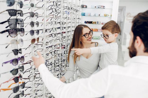 Līdz gada beigām iespēja bērniem <strong>saņemt brilles bez maksas</strong>