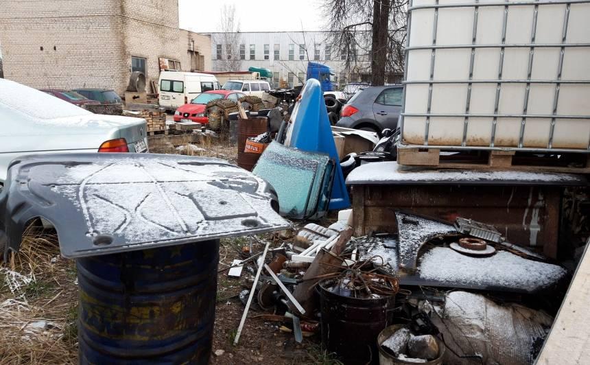 Valsts vides dienests atklāj <strong>būtiskus pārkāpumus autoservisos visā Latvijā</strong>