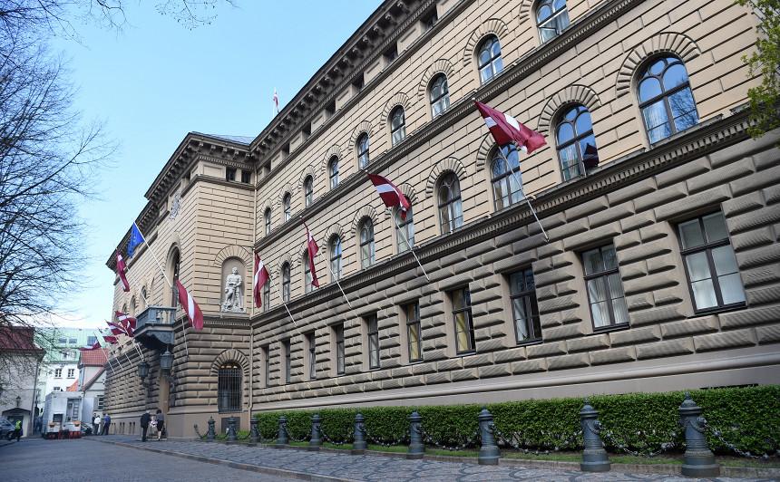 <strong>Rīgas domes atlaišanas likumprojekts</strong> sāk ceļu Saeimā