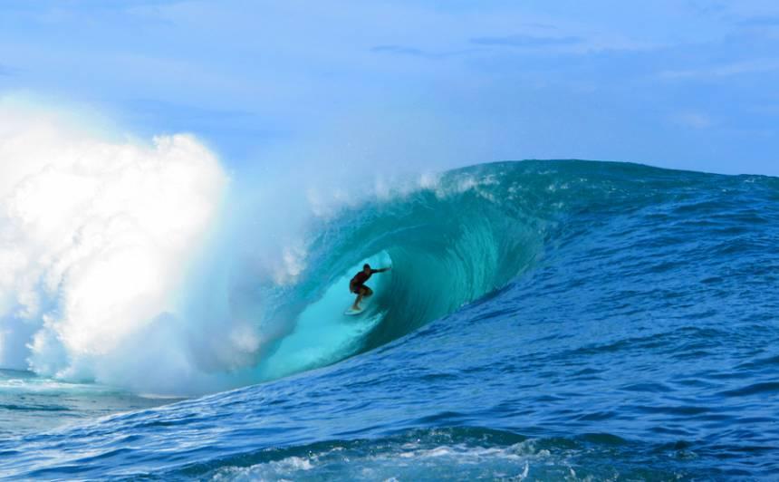 2024. gada Parīzes olimpisko spēļu sērfošanas sacensības varētu aizvadīt <strong>pasakainajā Taiti</strong>