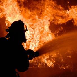 Aizvadītajā diennaktī <strong>ugunsgrēkos gāja bojā trīs cilvēki, bet cieta divi</strong>