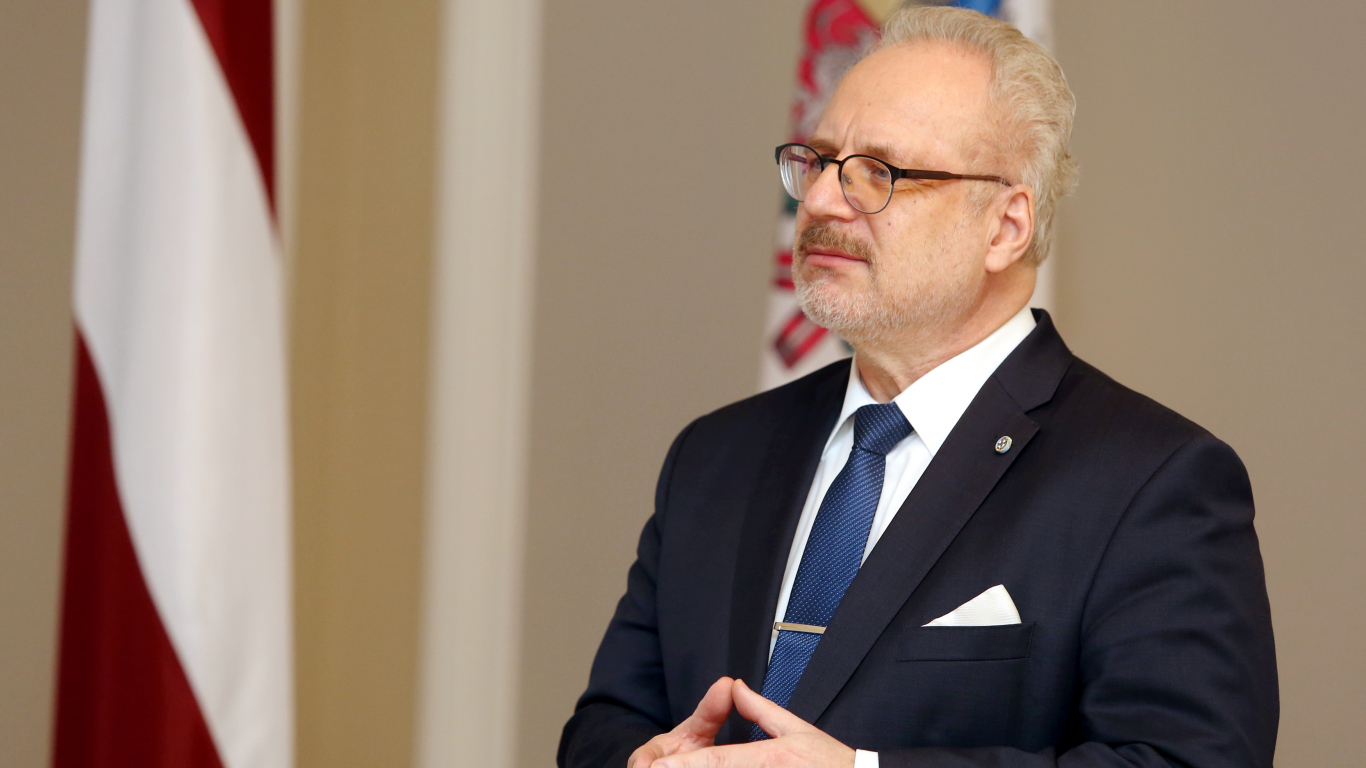 <strong>Levits aptur likumu grozījumus</strong> par ilgākām Rīgas domes pilnvarām ārkārtas vēlēšanu gadījumā