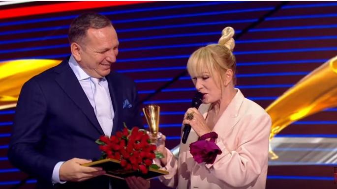 Vaikule pikta par balvas saņemšanu Kremļa pilī: <strong>Aplausi tādi, it kā man dotu pelnutrauku!</strong>