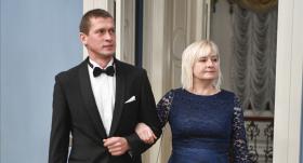 <strong>Strīķe un Jurašs</strong> pie prezidenta dodas sadevušies rokās