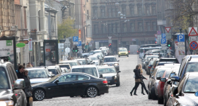 Eksperimentāli slēdz Rīgas ielas — <strong>nevarēs piegādāt preces un atstāt automašīnas</strong>