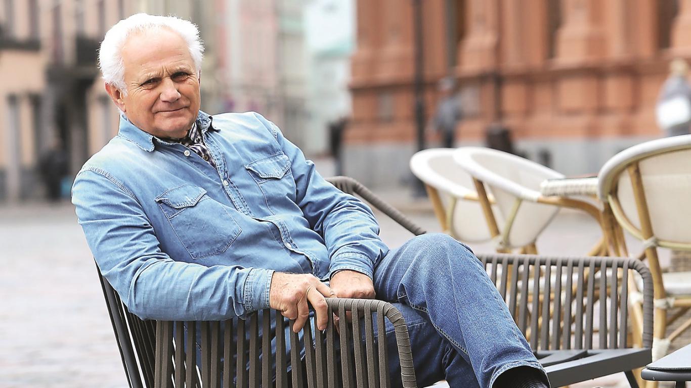 Sporta žurnālists Gunārs Jākobsons