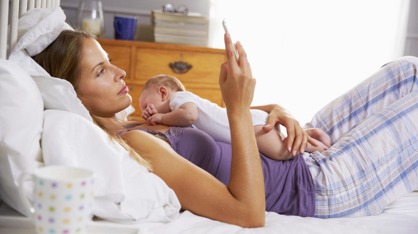 <strong>Ekrāns</strong> starp mammu un zīdaini. <strong>Mammas pieredze</strong>