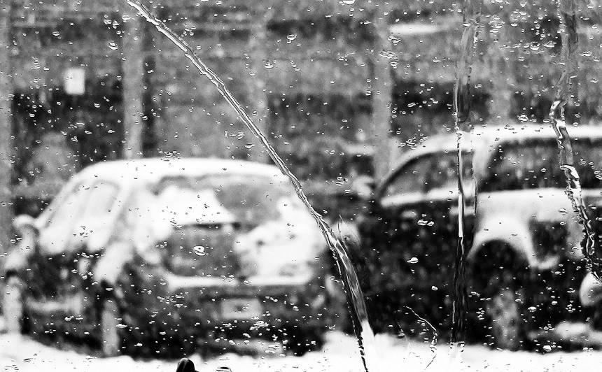 <strong>Nākamnedēļ līs un snigs vairāk</strong> nekā šonedēļ
