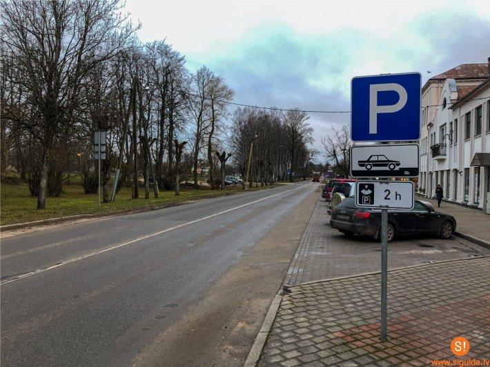 Siguldas autostāvvietās <strong>ierobežos stāvēšanas laiku</strong>