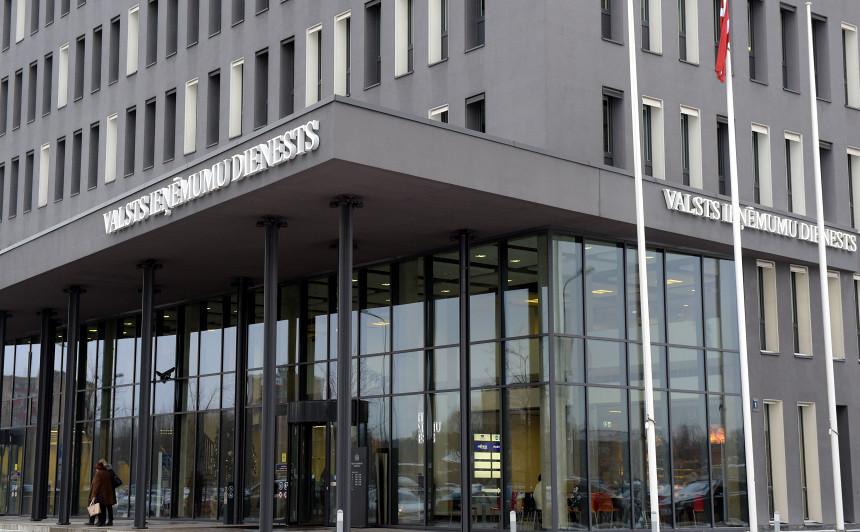 Pērn 108 gadījumos <strong>VID atteicis automašīnu reģistrāciju Latvijā</strong>