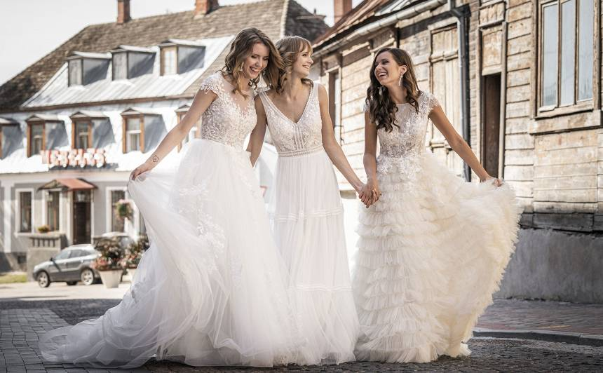 FOTO: 2020. gada <strong>kāzu kleitu mode</strong>