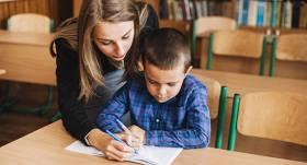 Kā palīdzēt bērniem ar <strong>UDHS un hiperaktivitāti</strong>