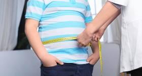 <strong>Pirmklasnieki ar lieko svaru — vairāk pilsētās,</strong> laukos samazinās