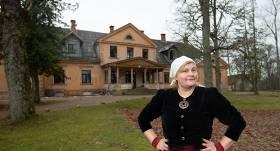 Ilze Briede pārdod savas mājas, lai radītu <strong>jaunu Kaucmindi</strong>