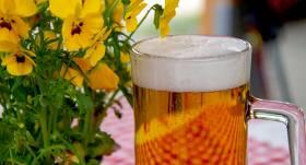 Tirgotāji:alkohola un tabakas ierobežojumi skolēnu dziesmu un deju svētkos <strong>veicinās nelegālu tirgošanu</strong>
