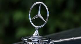 <em>Daimler</em>: <strong>Dīzeļgeitas skandāls</strong> pērn radījis papildu izdevumus līdz 1,5 miljardiem eiro