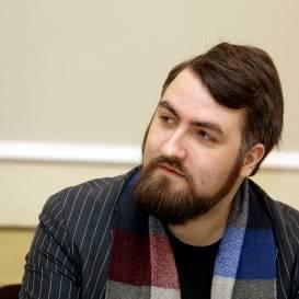 Rīgas Latviešu biedrības Latviešu valodas attīstības kopas vadītājs Uģis Nastevičs paziņo