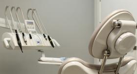 Kur var sūdzēties par <strong>nekvalitatīvu zobu protezēšanu?</strong>
