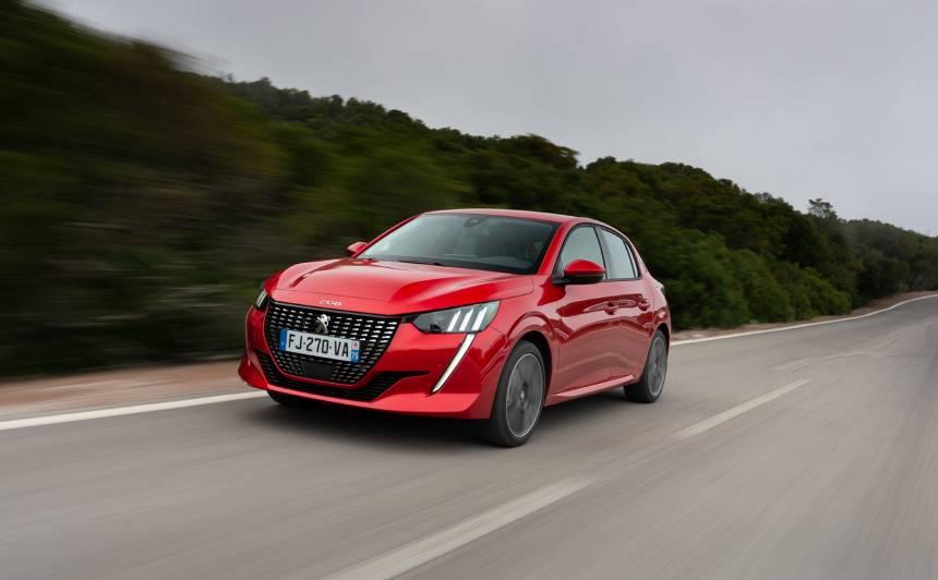<strong><em>Peugeot 208</em> nosaukts par labāko pilsētas auto,</strong> apsteidzot <em>Tesla</em> un citus pretendentus