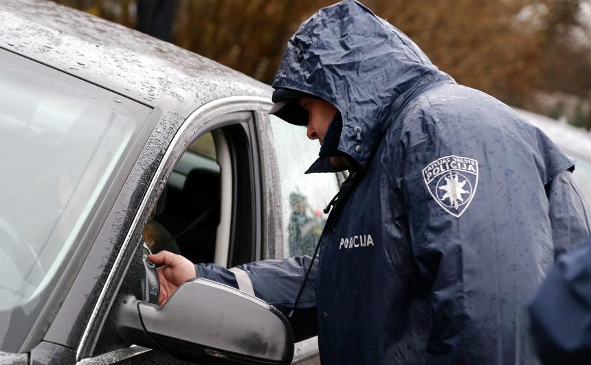 Par braukšanu reibumā aizturēta <strong>CSDD Jelgavas nodaļas vadītāja</strong>