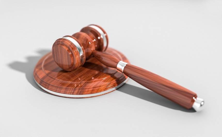 Bērnu slimnīcas krimināllietā tiesa piespriež <strong>apjomīgus naudas sodus</strong>