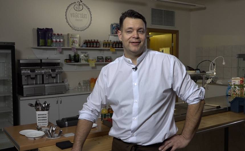 Veģetārā restorāna īpašnieks Imants Dzelme: <strong>Esam resnākā valsts Eiropā</strong>