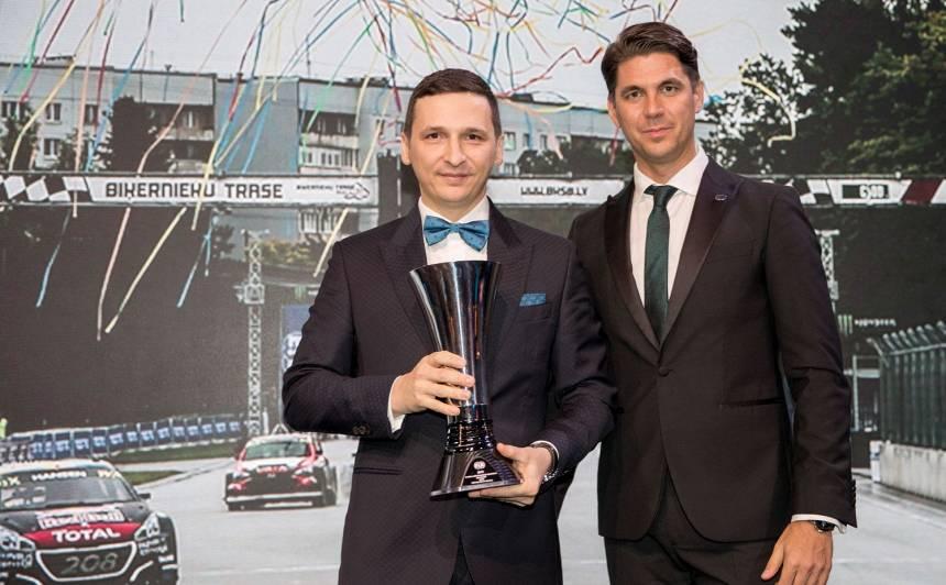RA Events direktors Raimonds Strokšs (pa kreisi) un FIA krosa komisijas vadītājs Olafs Gjarfs