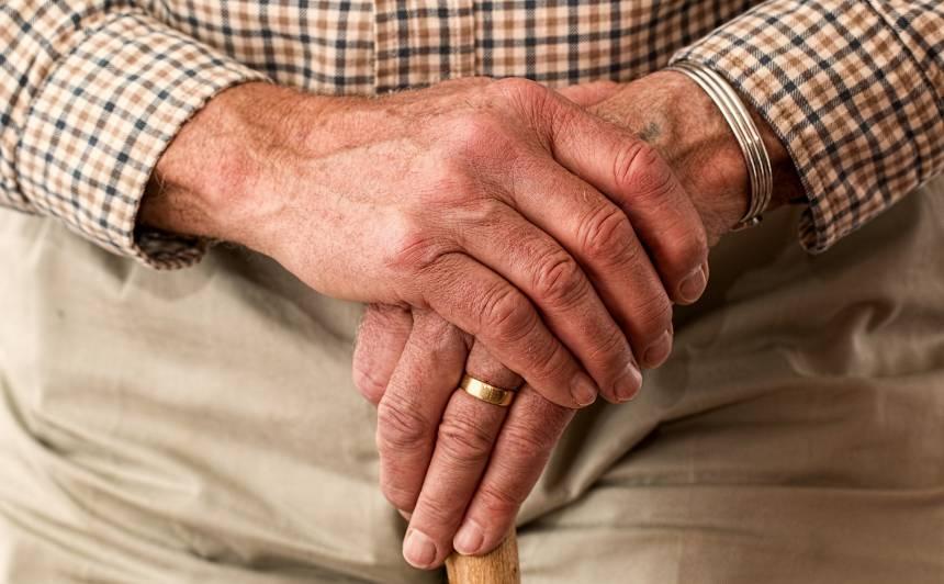 Kā <strong>vecumdienās izmainās gremošana?</strong>