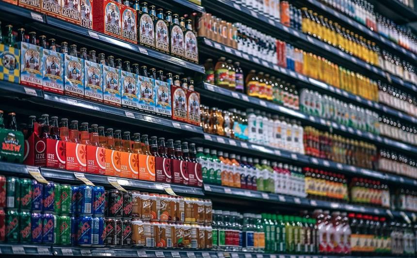 Saldinātajiem dzērieniem tiks <strong>pacelts akcīzes nodoklis</strong>