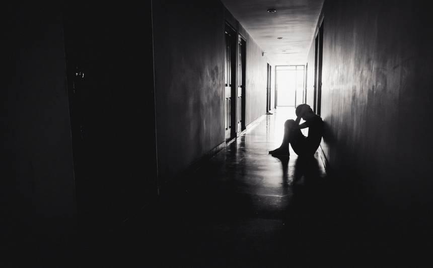 Nelabvēlīgu psiholoģisko apstākļu dēļ <strong>no mājām bez virsdrēbēm aizbēg pusaudzis</strong>