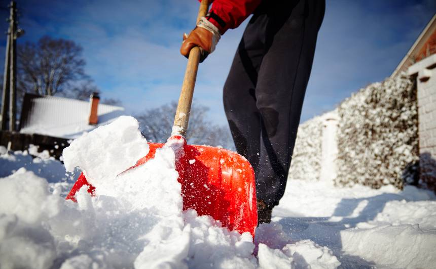 Alūksnē sniega sega sasniegusi <strong>jau 16 centimetrus</strong>